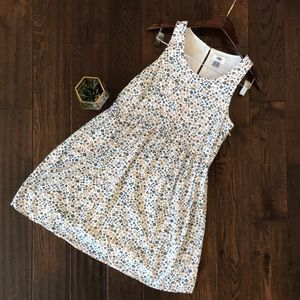 Floral dress size small w/ side zip fully lined